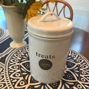 NWOT Treats Ceramic Canister